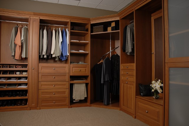 Incroyable Walk In Closets. Capitol Closet Design ...